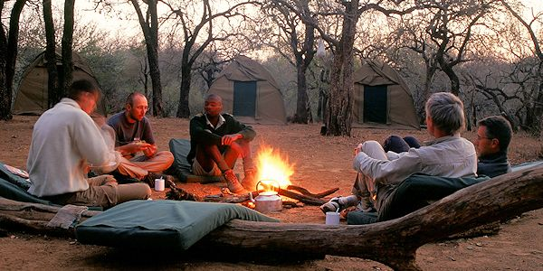 camping dans le bush dans la reserve d'imfolozi