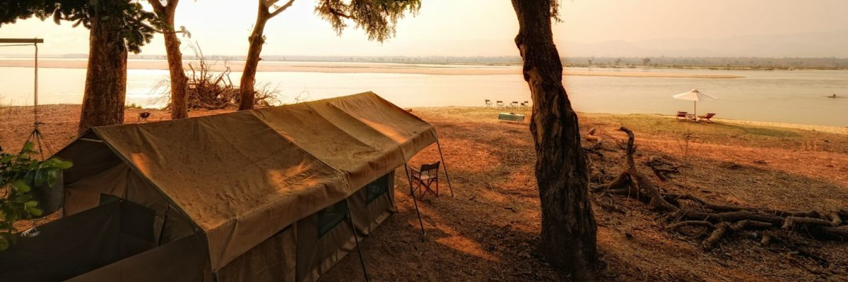 camp a Mana Pools