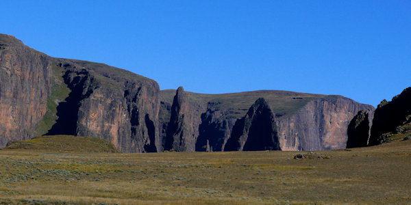 Mweni Pinacles - Drakensberg